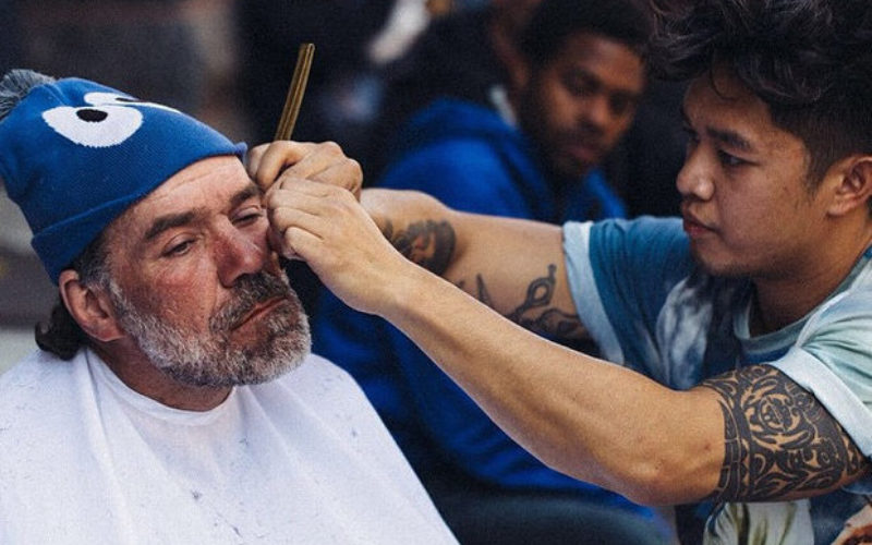 The Hairdresser Who Gives Free Haircuts to the Homeless